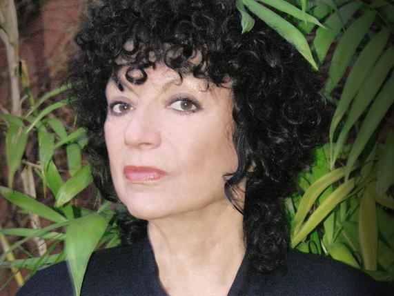 Escribir distinto : escribir de verdad.  Encuentro con Luisa Valenzuela